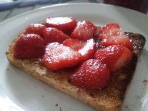 strawb toast